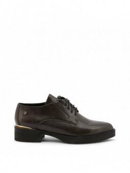 Chaussures à lacets...